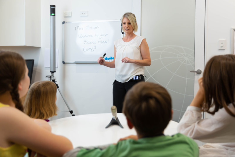 Dynamic Sound Field Amplification in classroom